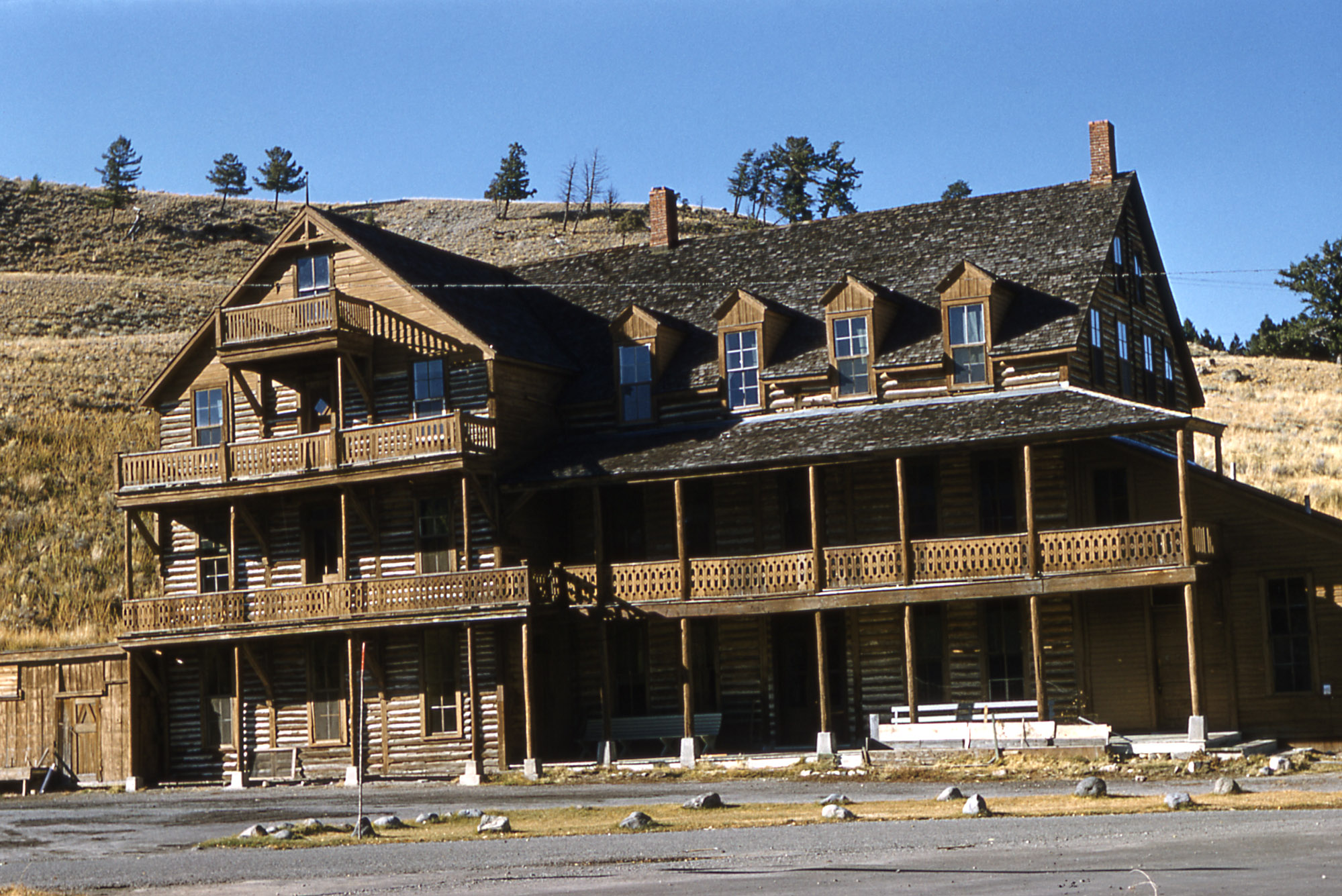 Yellowstone History The Cottage Hotel Yellowstone Insider
