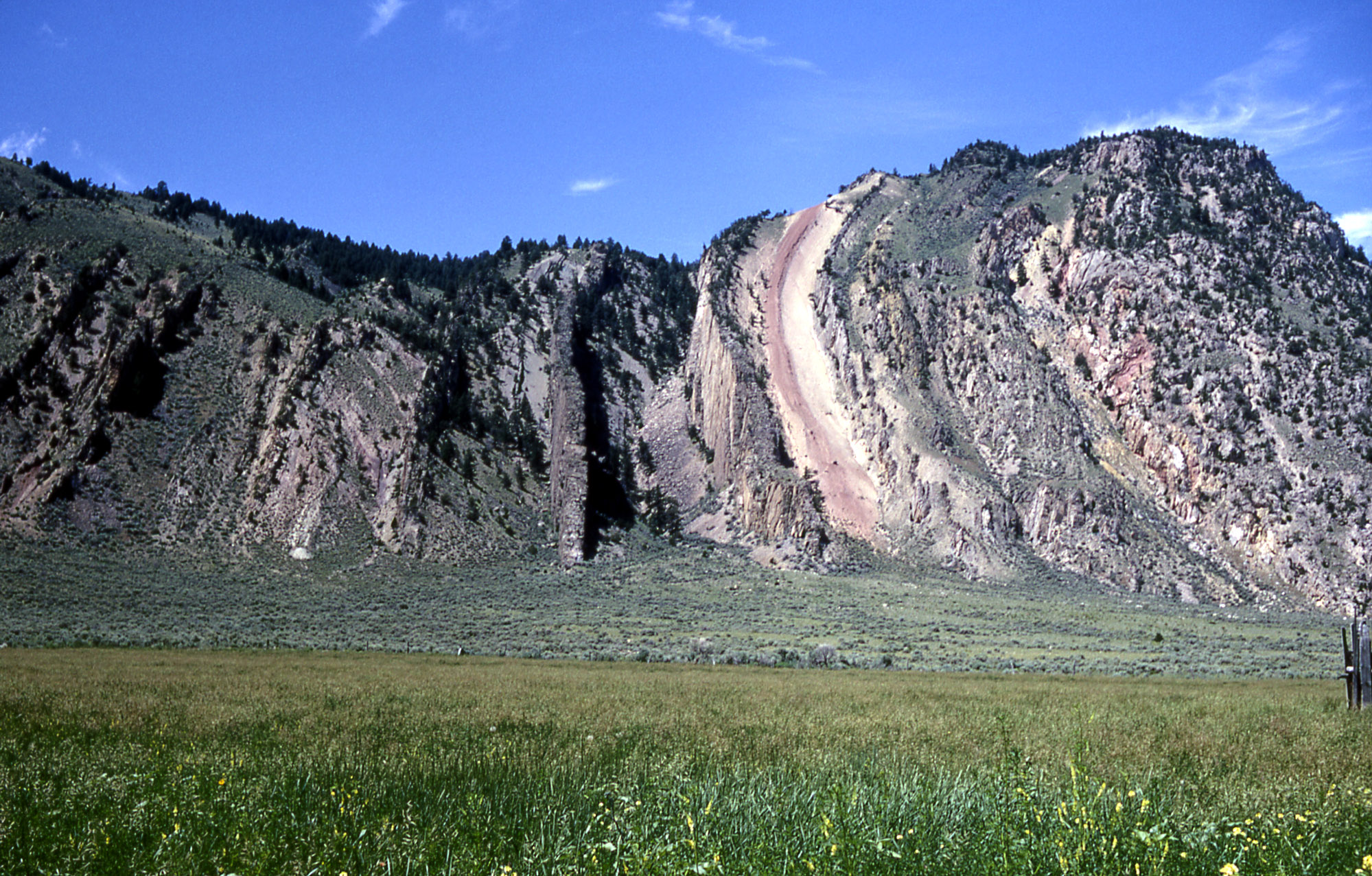 Yellowstone History The Devil S Slide Yellowstone Insider